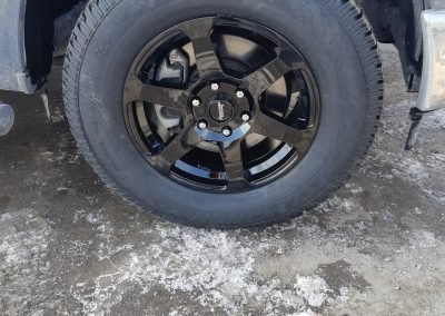 American Racing 18″ Gloss black wheel